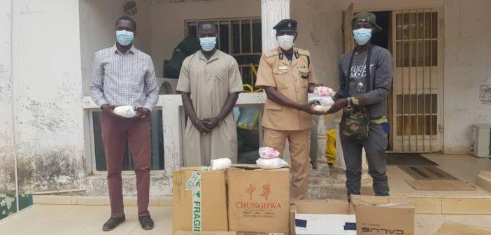 Gom Sa Bopa donating Gifts to Prison